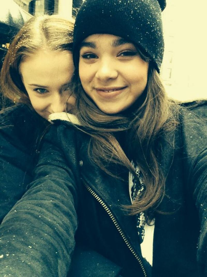 Sophie Turner Twitter Amp Instagram Personal Pics Winter 2015