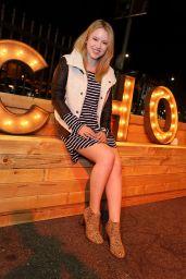 Taylor Spreitler Fashion - Dr. Scholl