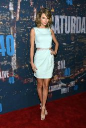 Taylor Swift – 2015 SNL Celebration in New York City
