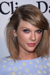 Taylor Swift – Pre-GRAMMY 2015 Gala and Salute To Industry Icons in Los Angeles