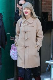 Taylor Swift Winter Style - Out in New YOrk City, February 2015