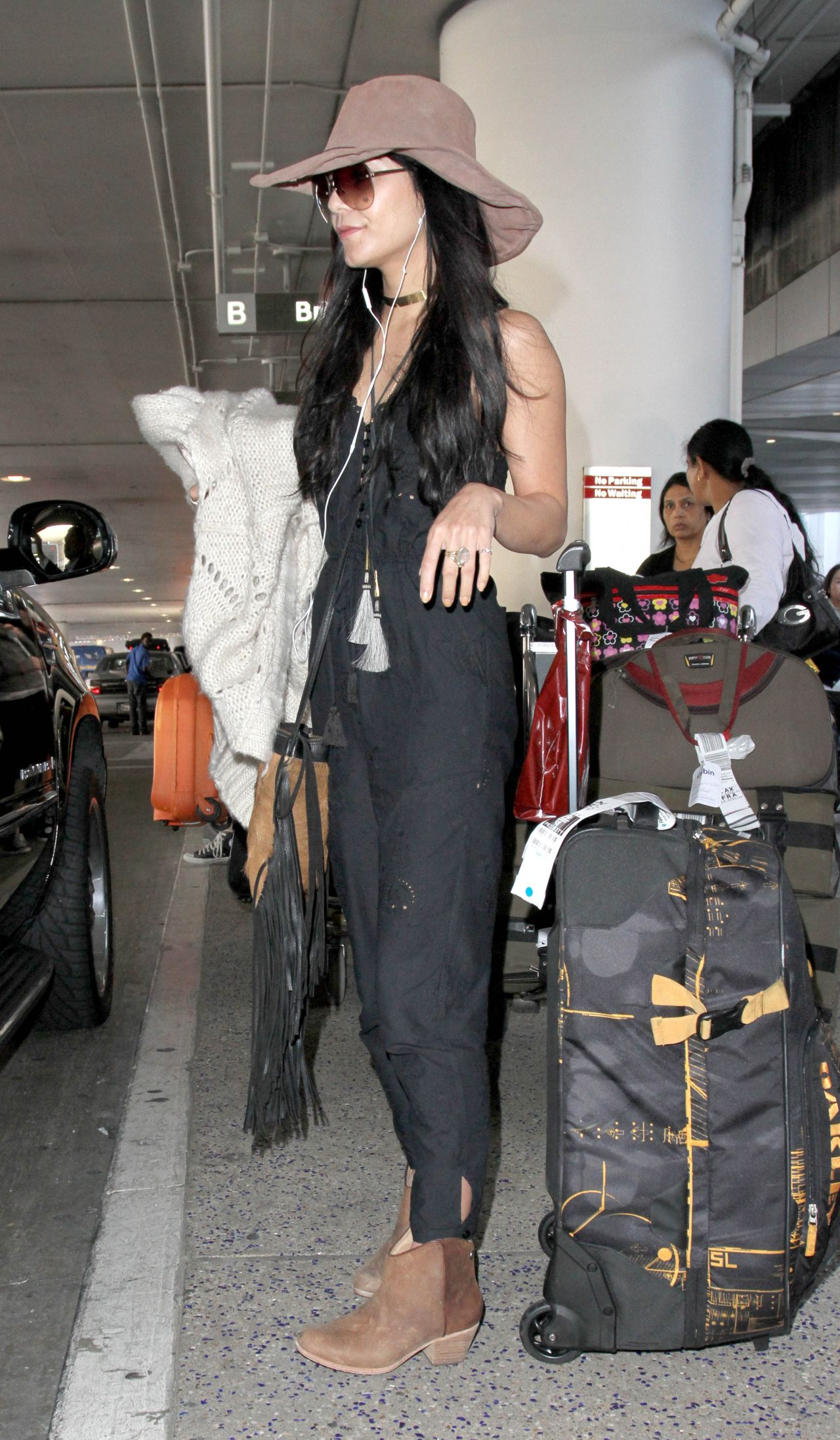 Vanessa Hudgens Casual Style At Lax Airport February 2015