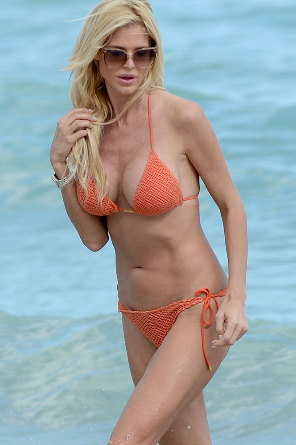 Victoria Silvstedt Wears An Orange Mesh String Bikini On The Beach In Miami, February 2015