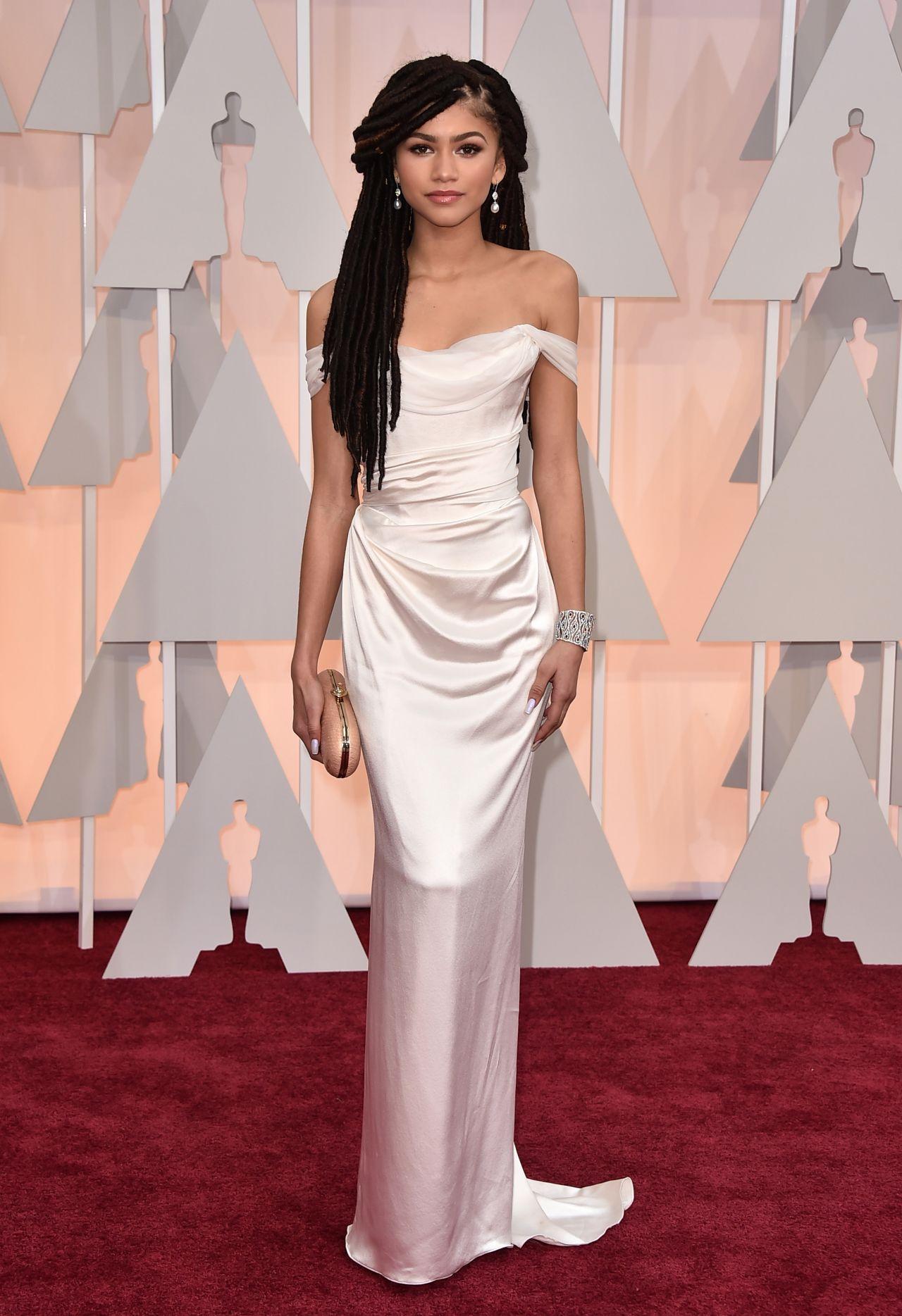 Zendaya – 2015 Oscars Red Carpet in Hollywood