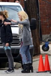 Abigail Breslin - On the Set of