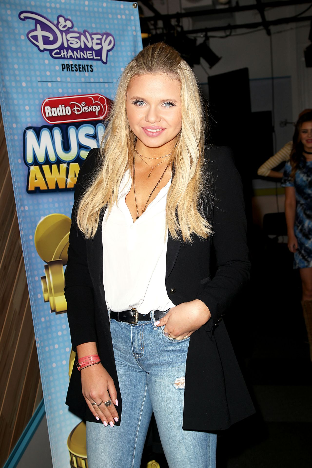 Alli Simpson – On The Road To The RDMA Concert in New York City