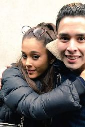 Ariana Grande - Leaving her hotel in Chicago, March 2015