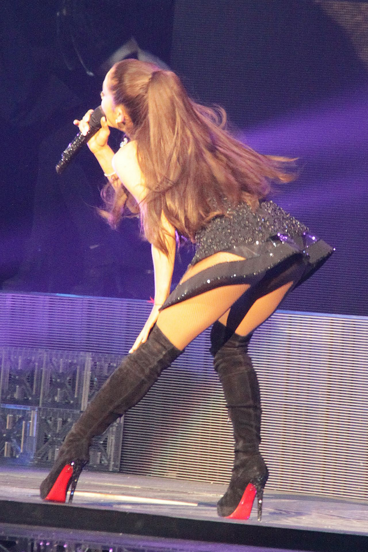 Ariana Grande Performing And Falling In Toronto March 2015