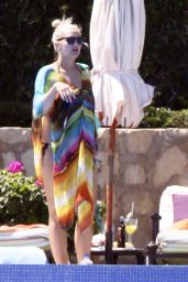 Ashlee Simpson on Vacation in Los Cabos in Mexico, March 2015