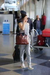 Aubrey Plaza Street Style - LAX Airport, March 2015