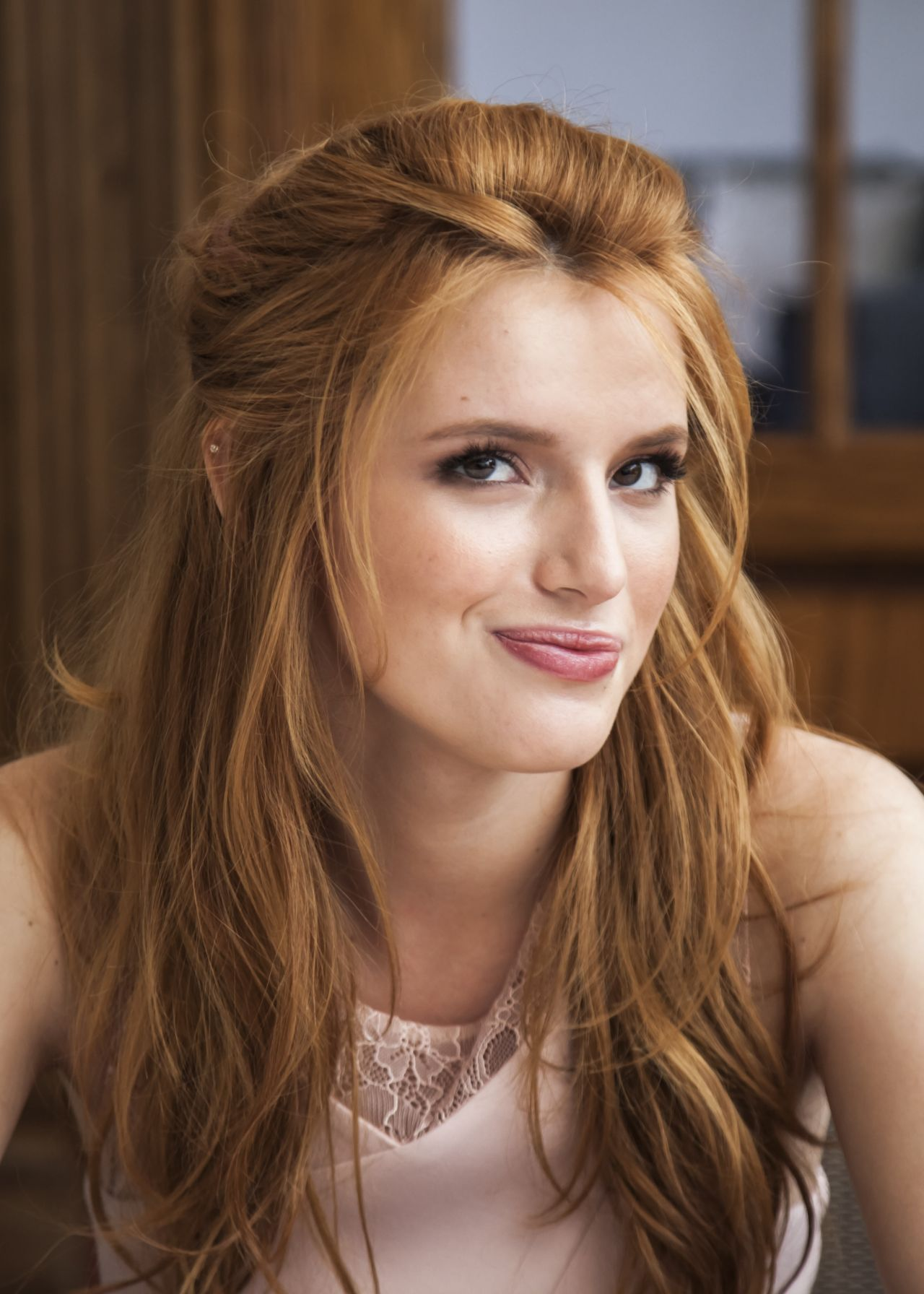 Bella thorne pictures high quality celebrity bella thorne gallery