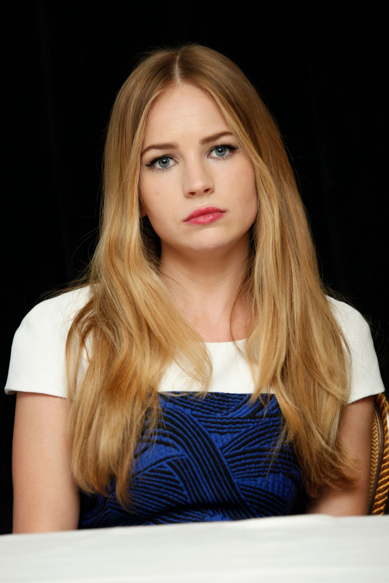britt robertson the longest ride press conference in new
