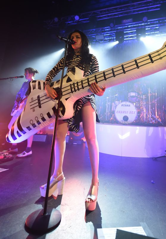 Charli XCX - Performs at Manchester Academy - March 2015