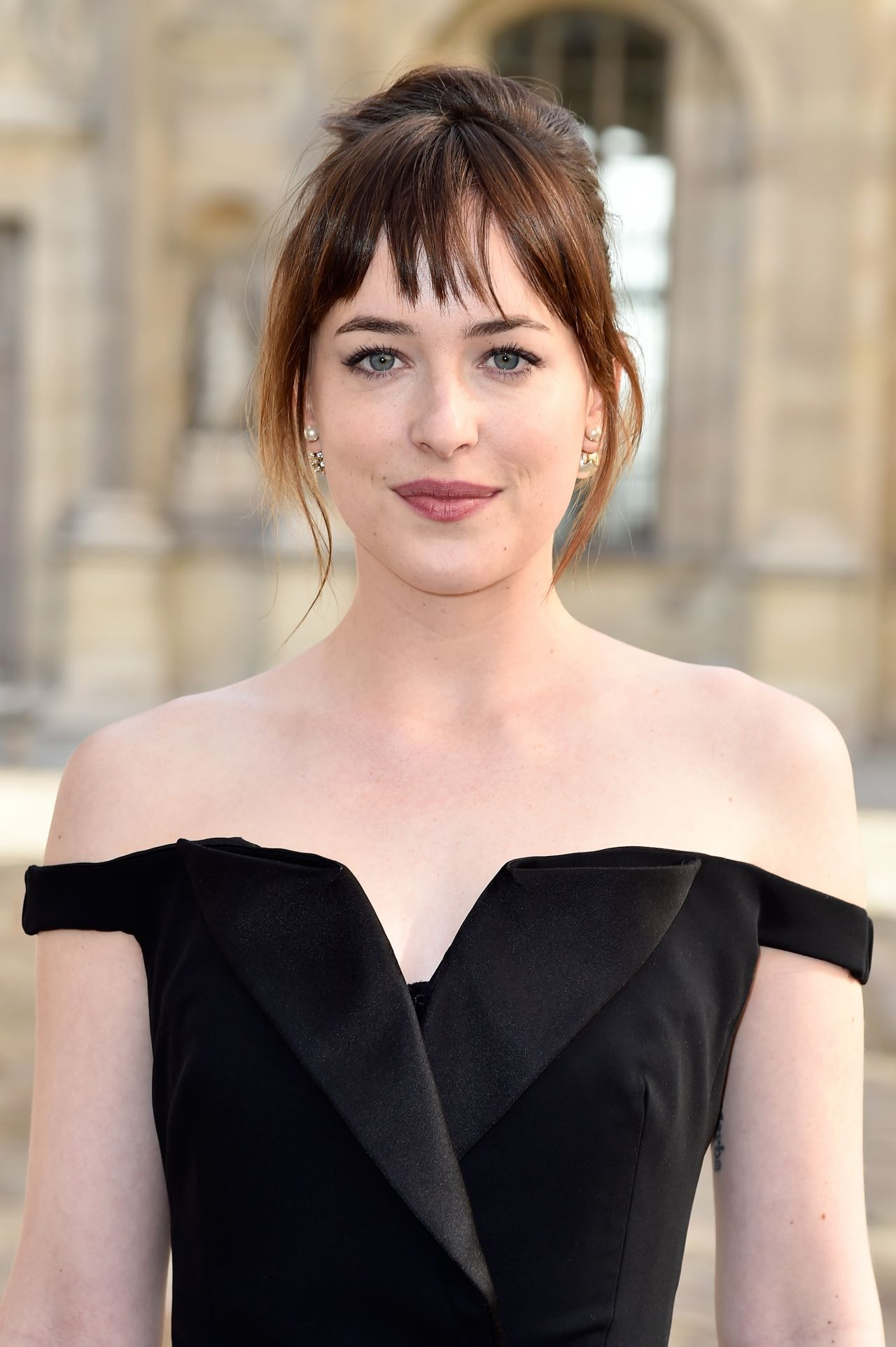 Dakota Johnson Style Christian Dior Fashion Show In