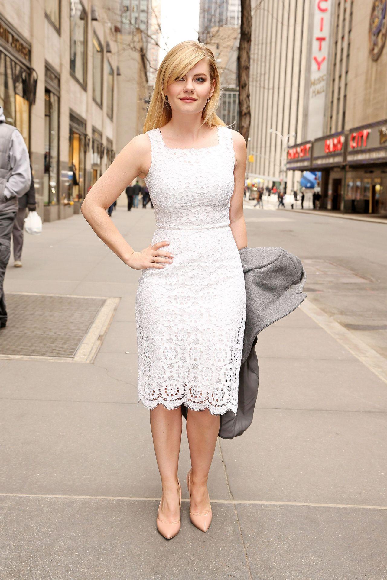 Elisha Cuthbert Style Leaving Nbc Studios In New York