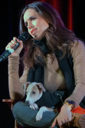 Eliza Dushku - 2015 Wizard World Comic Con in Madison