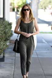 Emily Blunt Leaving a Beauty Salon in Los Angeles, March 2015
