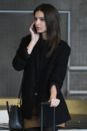 Emily Ratajkowski at Charles de Gaulle Airport in Paris, March 2015