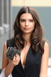 emily-ratajkowski-out-in-los-angeles-march-2015_3