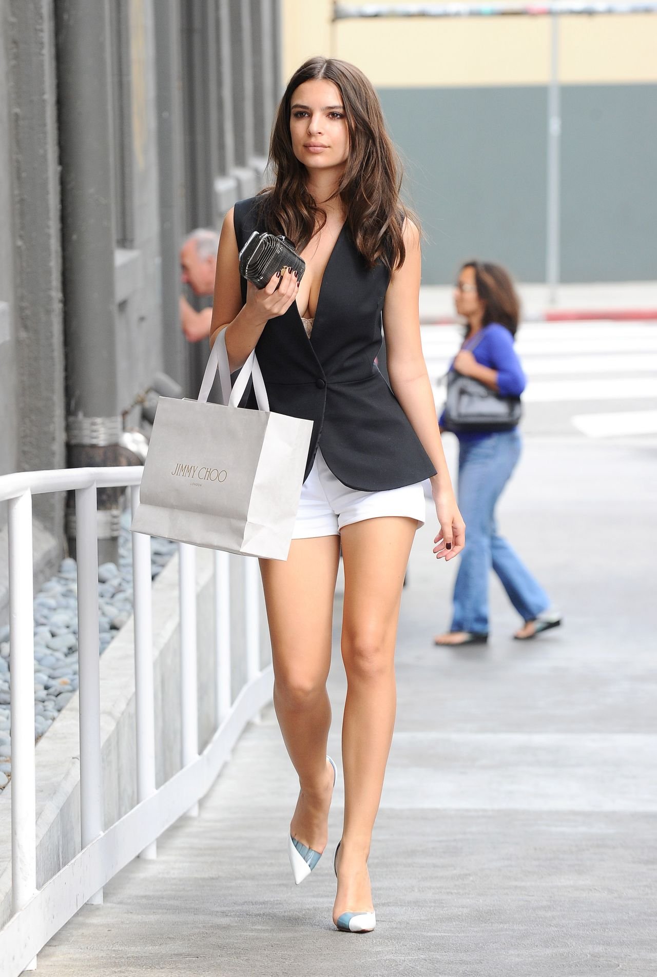 emily ratajkowski - out in los angeles, march 2015