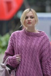 Fearne Cotton - Arriving at BBC Radio 1 in London, March 2015