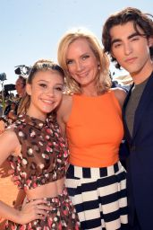 Genevieve Hannelius – 2015 Nickelodeon Kids Choice Awards in Inglewood