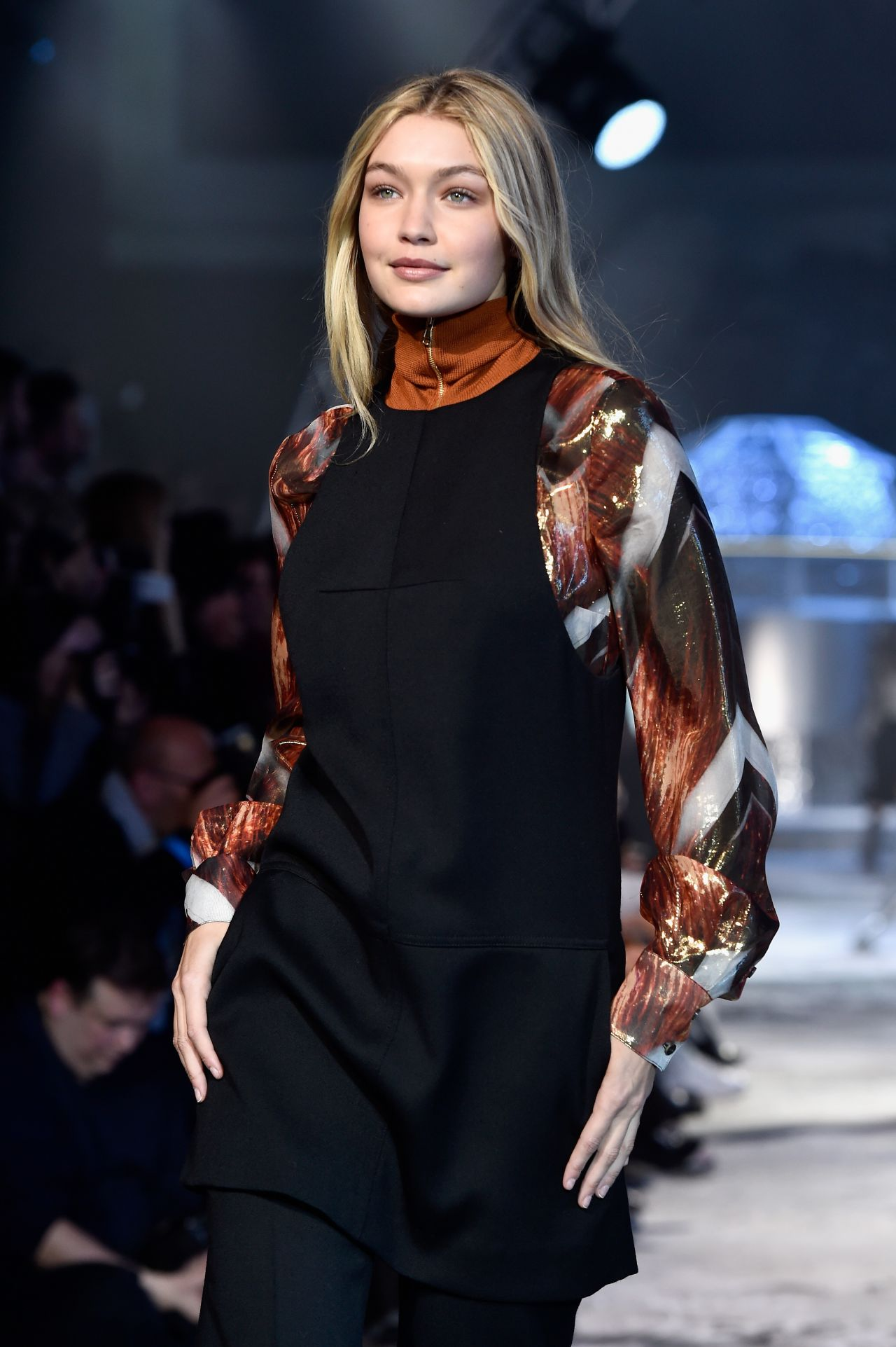 Gigi hadid – h m fashion show in paris march 2015
