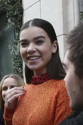 Hailee Steinfeld Style - Christian Dior Fashion Show in Paris, March 2015