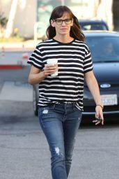 Jennifer Garner Street Style - Out in Los Angeles, March 2015