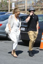 Jennifer Lopez Casual Style - Out in Hollywood, March 2015