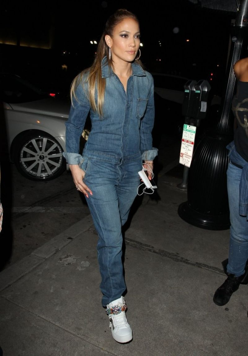 Jennifer Lopez Street Fashion Arriving At Craig 39 S In