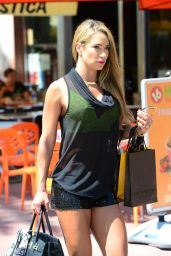Jennifer Nicole Lee Shows Off Her Toned Body in Miami, March 2015
