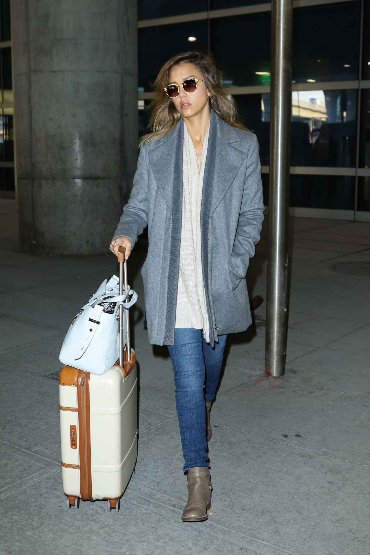 Jessica Alba at JFK Airport, March 2015