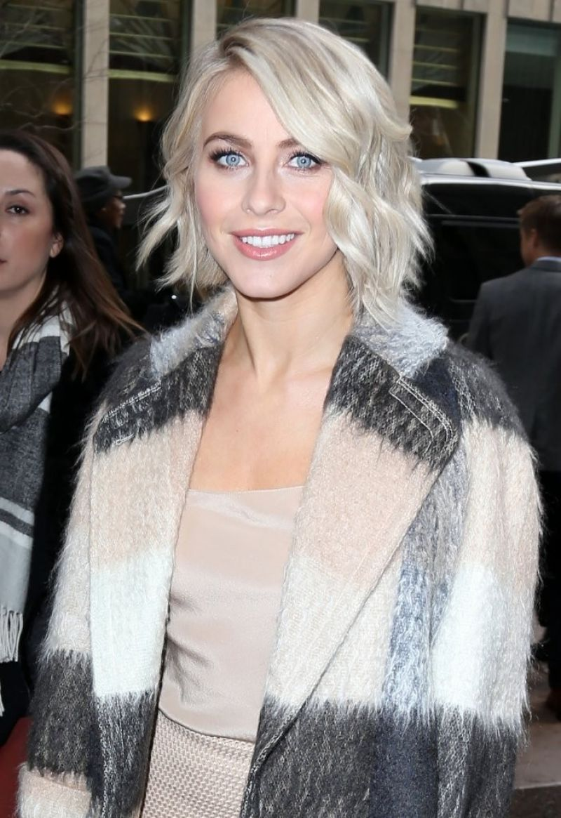 Julianne Hough Style - at SiriusXM Studios in New York City, March 2015