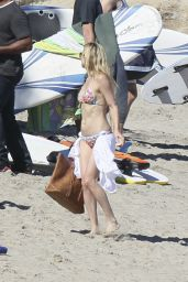 Kate Hudson in a Bikini at a beach in Malibu - March 2015