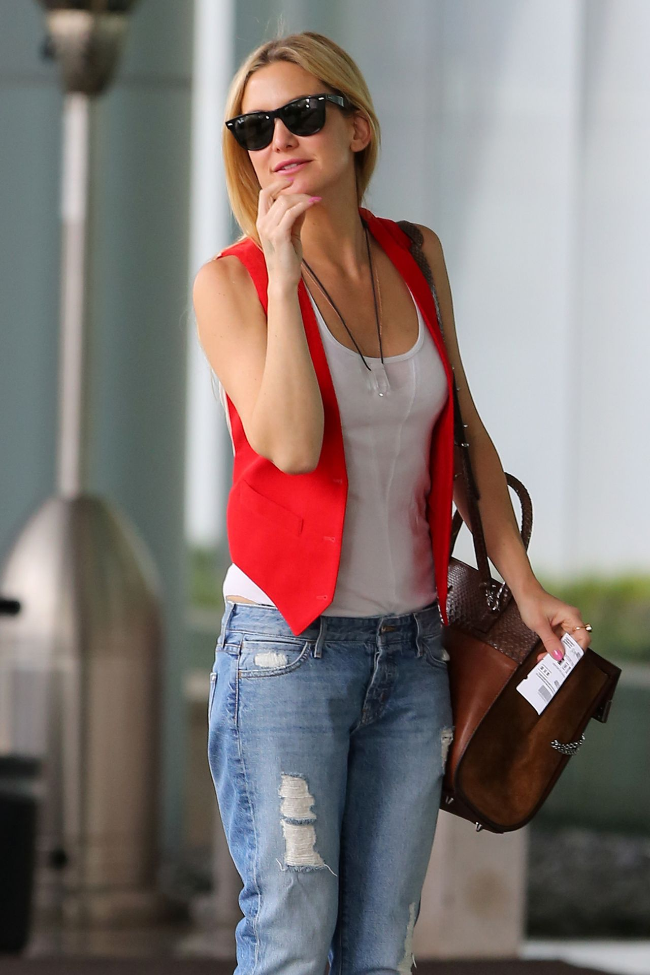 Kate Hudson in Jeans - Out in Century City, March 2015