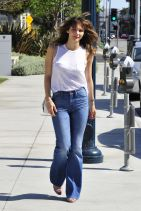 Katharine McPhee - Filling Up Her Car At A Local Gas Station – Beverly Hills, MArch 2015