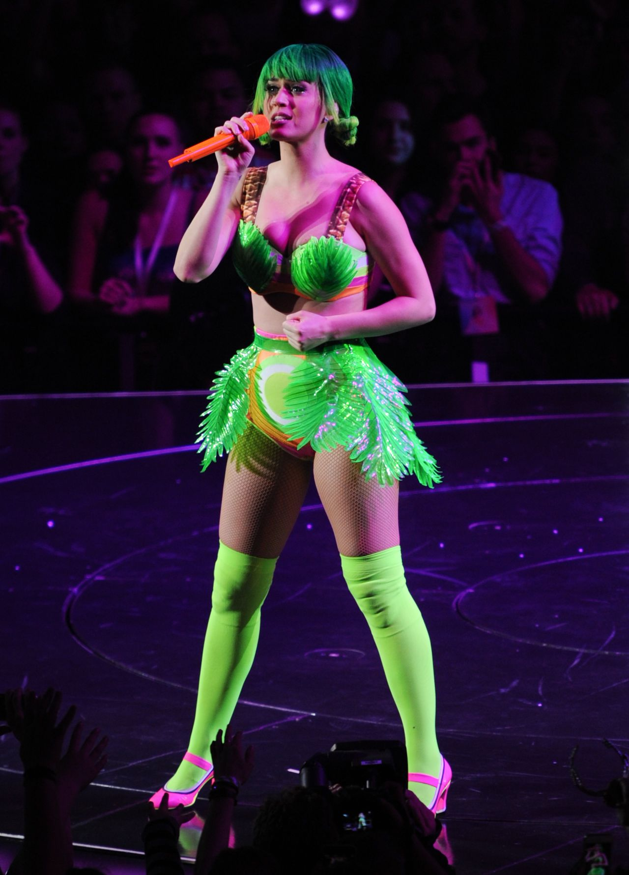Katy perry the prismatic world tour california girl 10