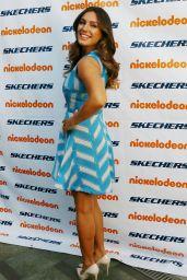 Kelly Brook - 2015 SKECHERS Pier to Pier Friendship Walk Check Presentation in Manhattan Beach