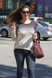 Kelly Brook Casual Style - Shopping at Whole Foods in West Hollywood, March 2015