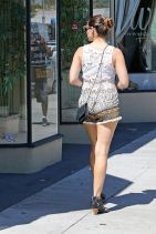 Kelly Brook is Stylish - Out Shopping in Los Angeles, March 2015