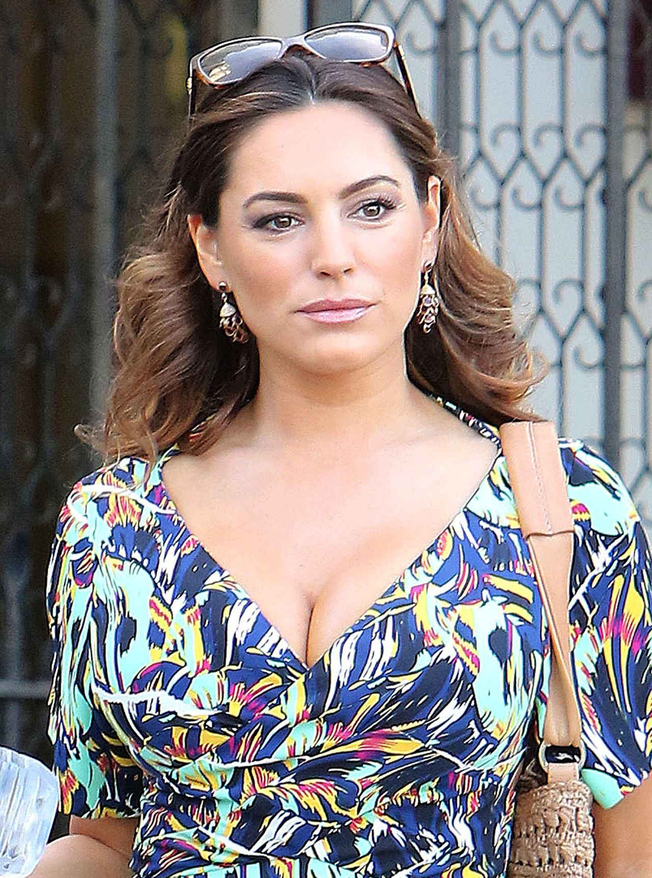 Kelly Brook Looks Very Summery in a Patterned Dress
