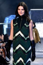 Kendall Jenner - H&M Fashion Show in Paris, March 2015