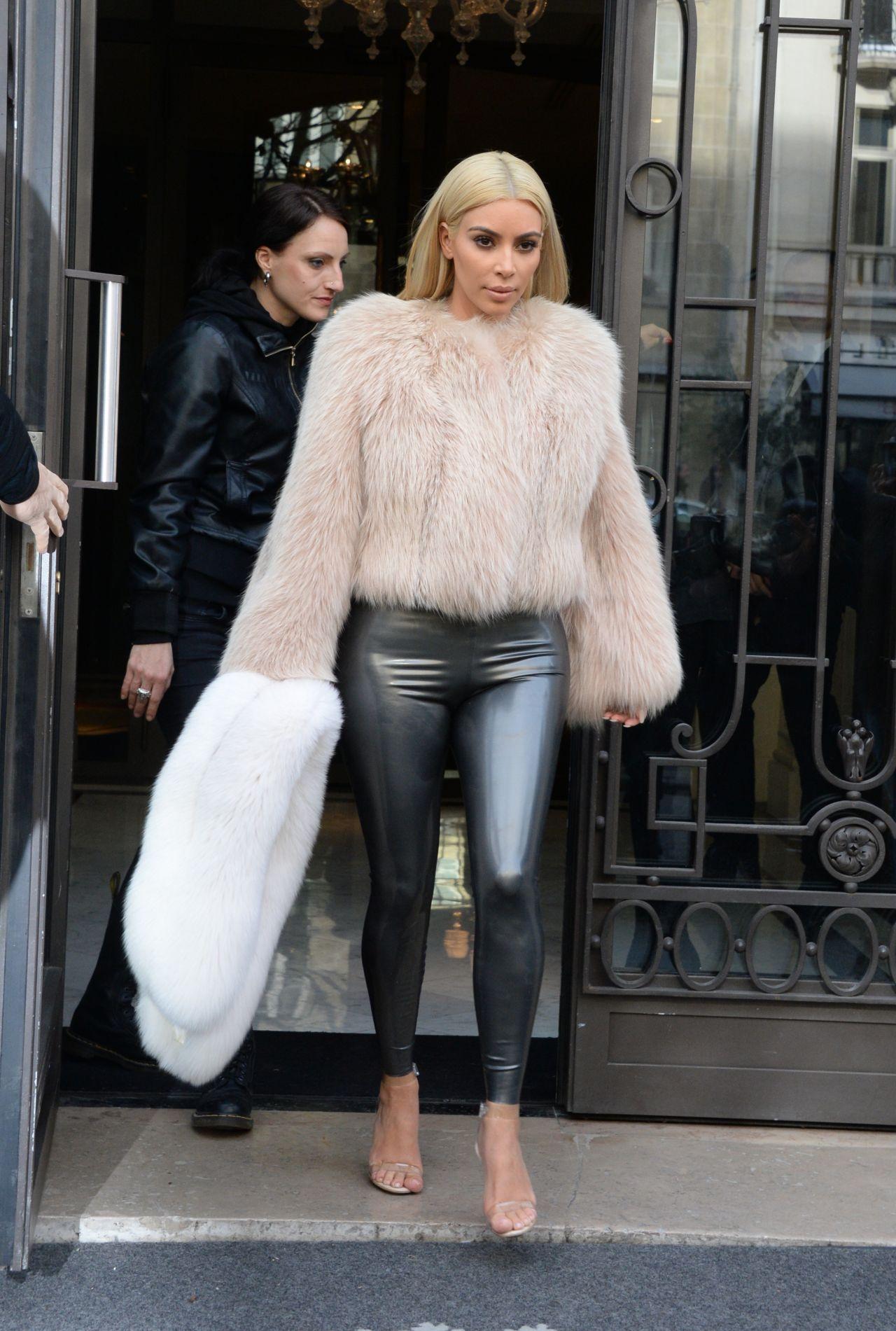 Kim Kardashian Dyed Her Hair Paris March 2015