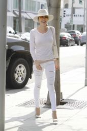 Kristin Cavallari Casual Style - at Hair Salon in Beverly Hills, March 2015