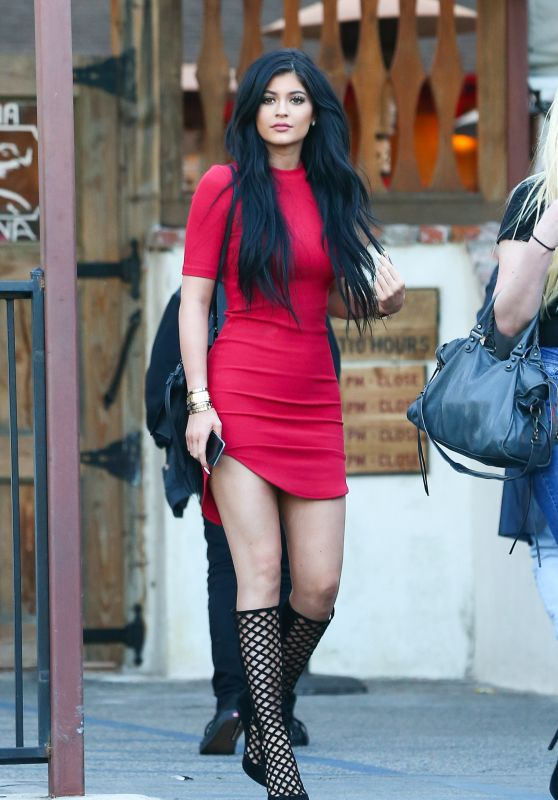 Kylie Jenner Style - Leaving a Restaurant in Calabasas, March 2015