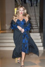 Lady Gaga Style - Shopping at