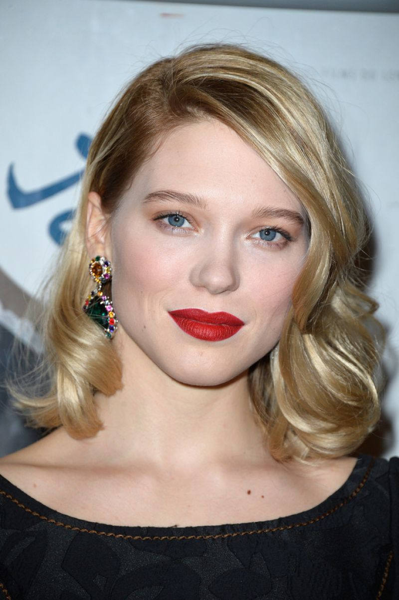 lea seydoux paris premiere of journal d une femme de chambre. Black Bedroom Furniture Sets. Home Design Ideas