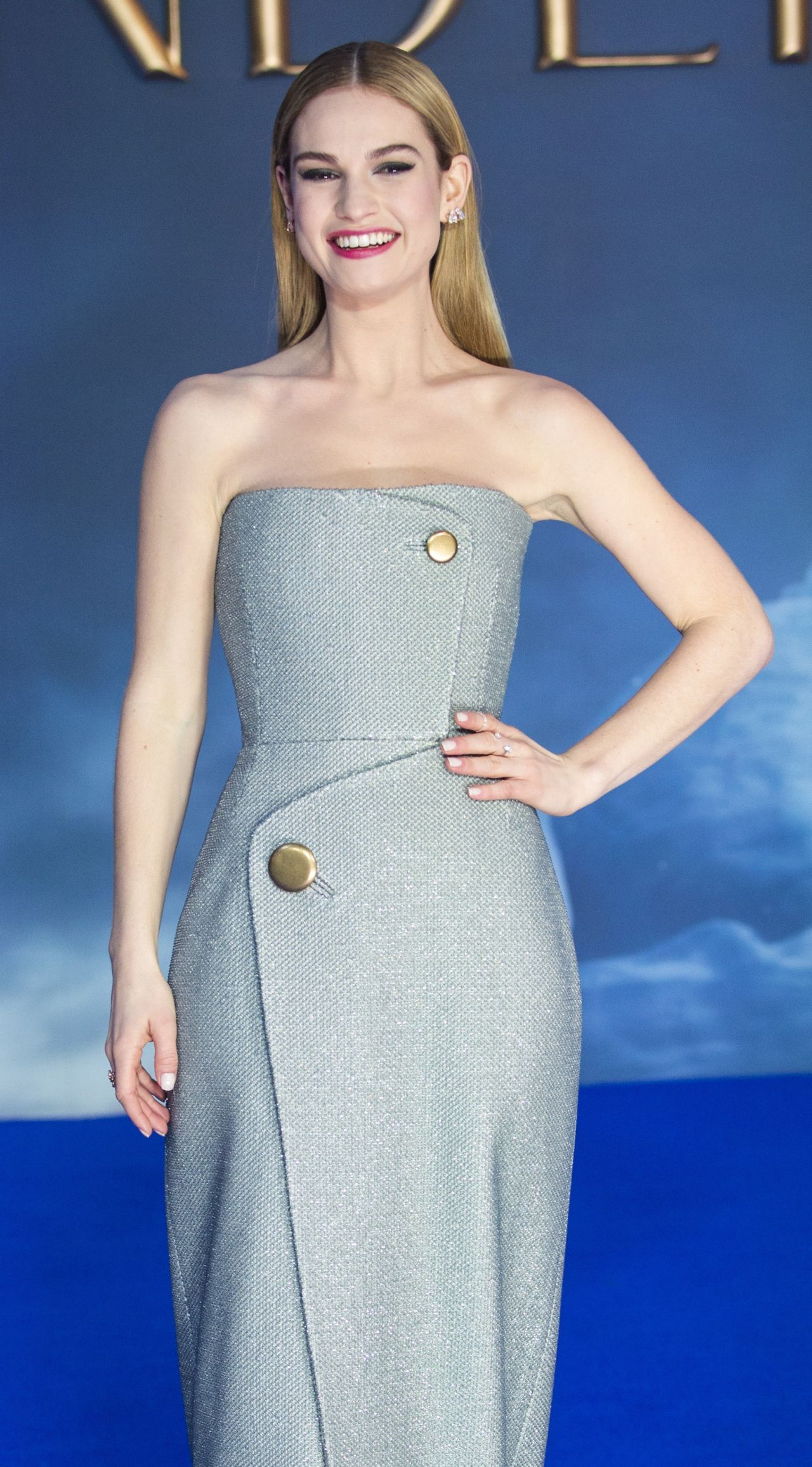 Lily James Disney S Cinderella Premiere In London