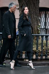 Liv Tyler - Out of Her NYC Townhouse Before Heading to Dinner - March 2015